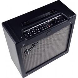 Amplificator chitara Fender MUSTANG II